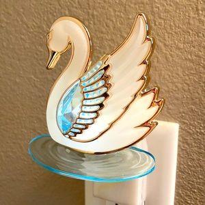 Icy Swan B&BW Wallflower Plug